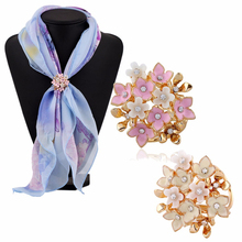 New Fashion Crystal Rhinestones Flowers Tricyclic Scarf Buckle Brooches for Women Holder Jewelry 1PC