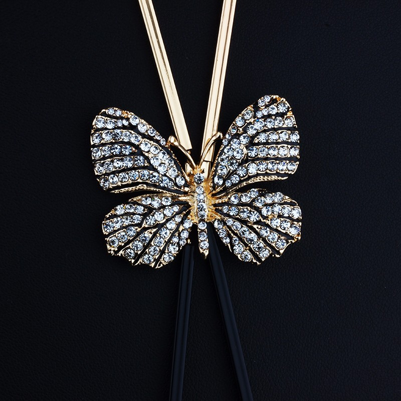 long-black-and-gold-necklace-with-butterfly-pendant-2