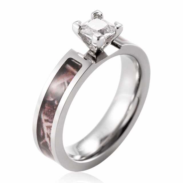 SHARDON Womenu0027s Camo Engagement Ring Titanium Realtree Wedding Band 4 Prong  Setting Princess CZ Rings For