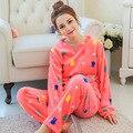 2016 Primavera de Invierno Contra el Frío Mantener Calientes Las Mujeres Conjuntos De Pijamas de Franela de Sleepcoat y Bottoms Señora Térmica Coral Polar Ropa de Dormir