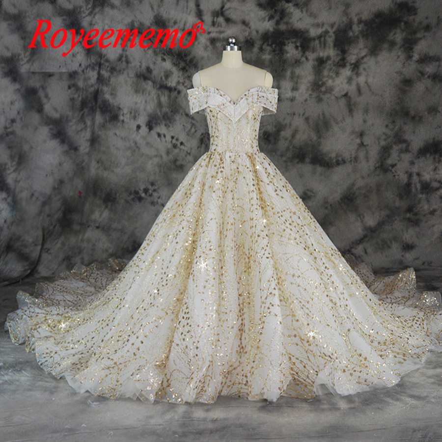 Waulizane Lustrous Satin Long Sleeves Ball Gown Wedding Dress Elegant Style Lace Up Chapel Train Applique