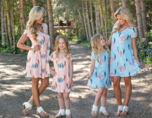 cfd2c20be094 2018 New Summer Family Mother Daughter Matching Unicorn Floral Dress Mom  Girls Dress Clothes Outfit Holiday Beach Party Dresses