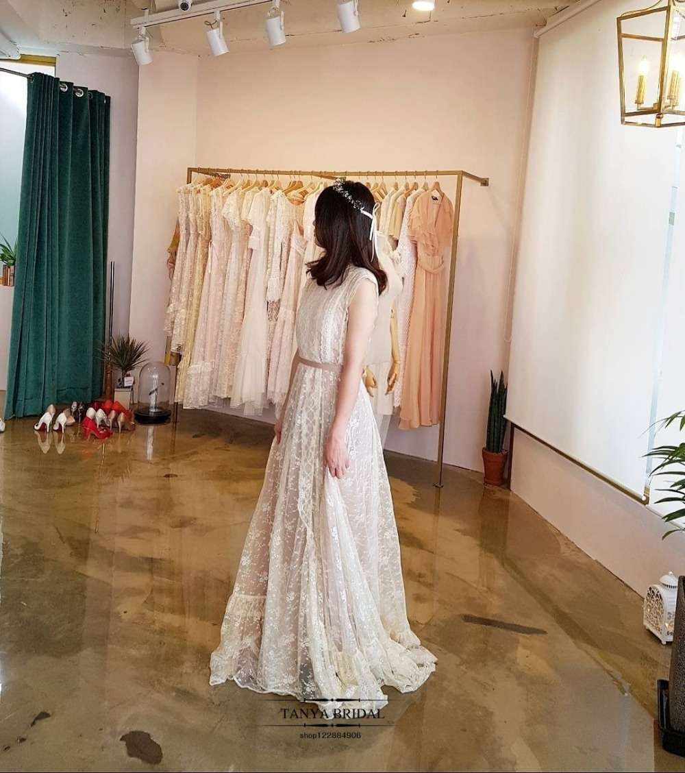 3b1ee2d627 US $170.05 5% OFF|Bohemian Wedding Dress Fairy Lace GYPSY Beach Summer robe  de soiree Spain France Wedding Gowns ZW077-in Wedding Dresses from ...