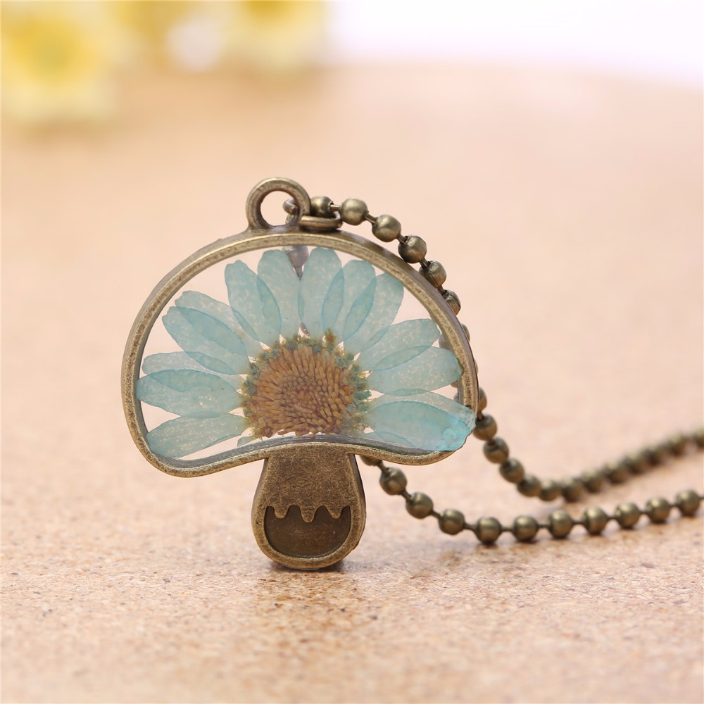 Antique Bronze Mushroom design Pendant Necklace Handmade Glass Dry Flower Charms Chain Necklace Jewelry Gift 3580