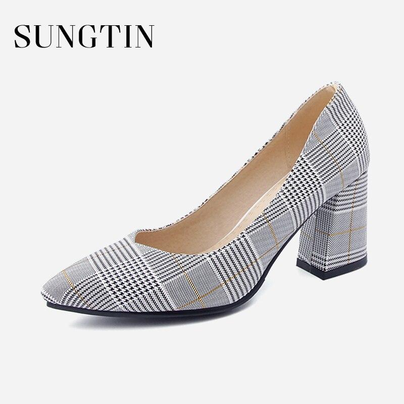 все цены на Sungtin Fashion Stripe Square Heel Pumps Women Casual Classic Pointed Toe High Heels Spring Female Handmade Shoes 7cm Large Size онлайн