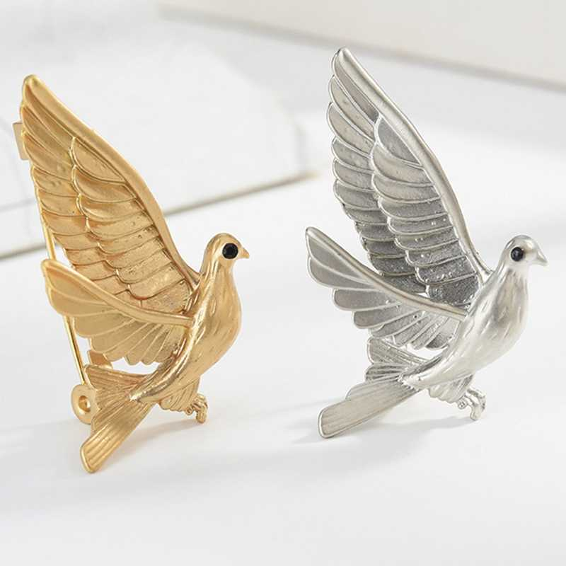Brooches Cartoon Animal Badge Metal Pin Pigeon Brooch For Women Lady Classical Fashion Accessories Sweater Decoration Pins