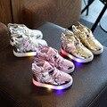 2016 Novas Luzes de Sapatas Dos Miúdos Das Sapatilhas para Meninos Das Meninas Do Bebê Inverno Asa Confortáveis Botas Quentes Sapatos Respirável com Luzes para Crianças