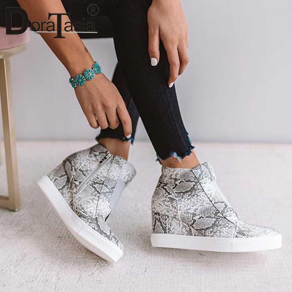 DORATASIA 2019 Yeni INS Sıcak Leopar Platformu Patik Kadınlar 2019 Sonbahar Moda Kadınlar Ayak Bileği Takozlar Çizmeler Ayakkabı Kadın 35- 43