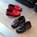 2017 Девушки Летние Shoes Дети Сандалии Британский Стиль Бантом С Кистями детская Плоские кроссовки PU Лакированной Кожи размер 27-31