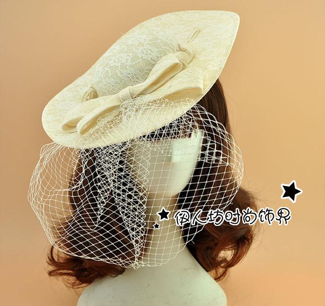 Bege vestido de Renda Tamanho Grande Mulher Noite Chapéus Nupcial Fascinator Chapéu Para As Mulheres Do Vintage Acessórios Do Casamento da Noite Do Partido Do Cabelo Desgaste