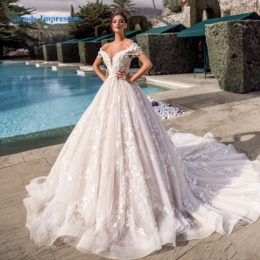 CLOUDS IMPRESSION Gorgeous Lace Ball Gown 2019 Wedding Dress Appliques Beaded Royal Train Flowers Bridal Gowns