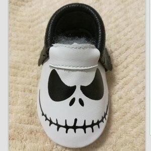Mocasines de cuero genuino para festival de bebé, zapatos para Halloween, regalos para zapatos para bebé, Niña y niño, primeros zapatos para bebé recién nacidos