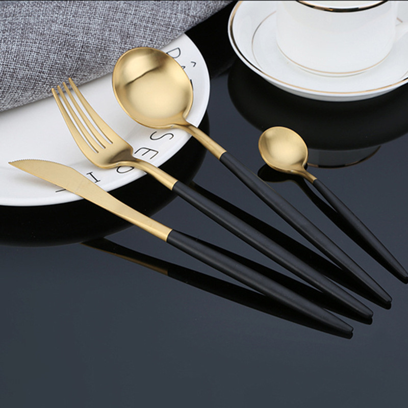24pcs KuBac Hommi 2018 New Golden Top Quality Stainless Steel Steak Knife Fork Party Cutlery Set black gold silver 4 colors24pcs KuBac Hommi 2018 New Golden Top Quality Stainless Steel Steak Knife Fork Party Cutlery Set black gold silver 4 colors