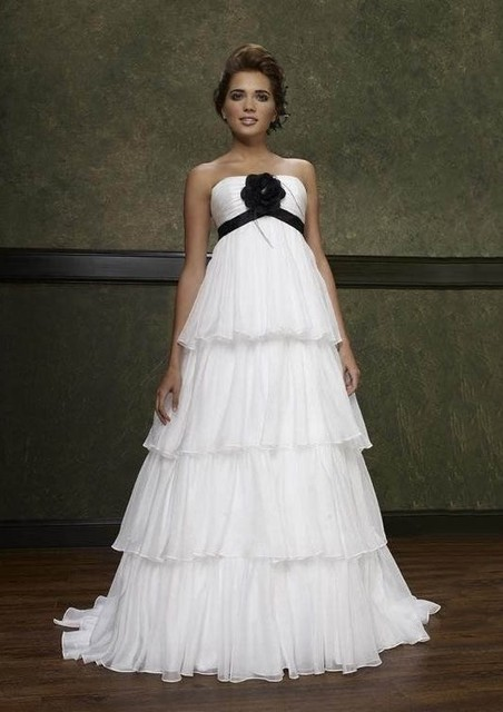 Black And Ivory Maternity Wedding Dresses Pregnant Women Empire Waist Reception Bridal Gowns With Color Rehearsal