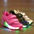 Nuevo verano niños respirables zapatillas led roller skate shoes con alas niños luminosos zapatillas iluminadas con ruedas