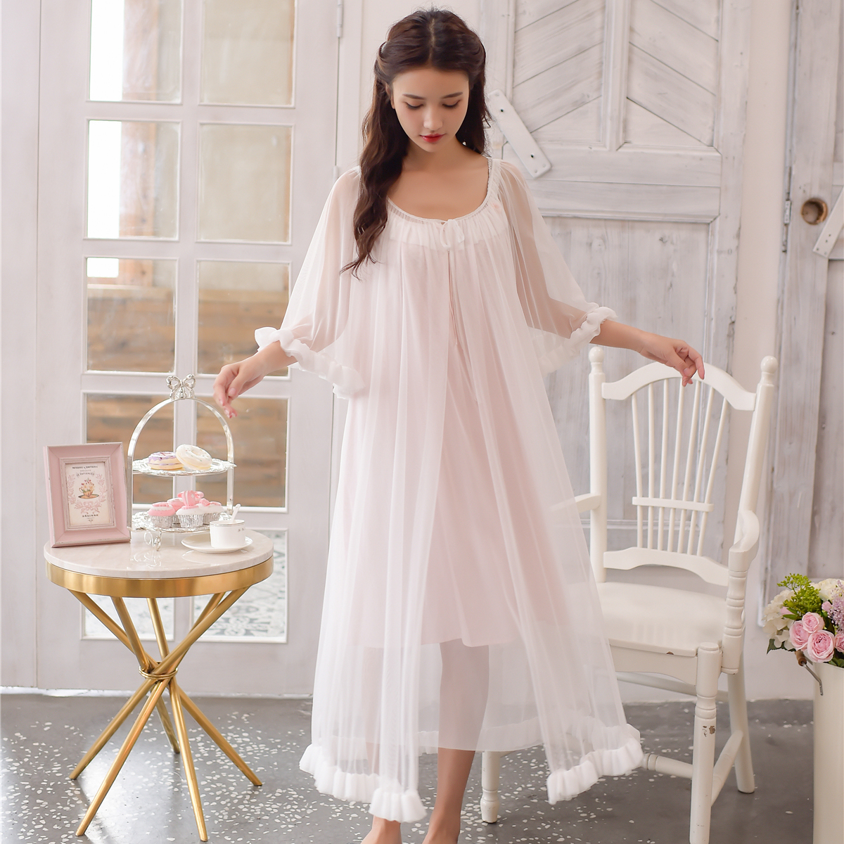2018 Autumn 2PICS Vintage sleepwear Modal lining nightgown Princess design nightgown long lace nightdress Arab Lady