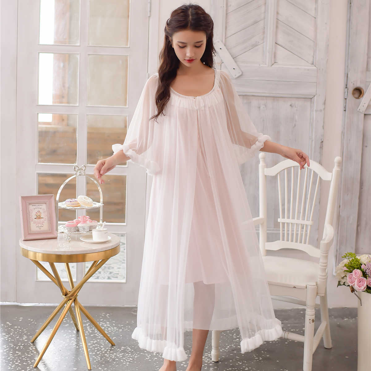 2018 Autumn 2PICS Vintage sleepwear Modal lining nightgown Princess design nightgown  long lace nightdress Arab Lady 5880f96ea