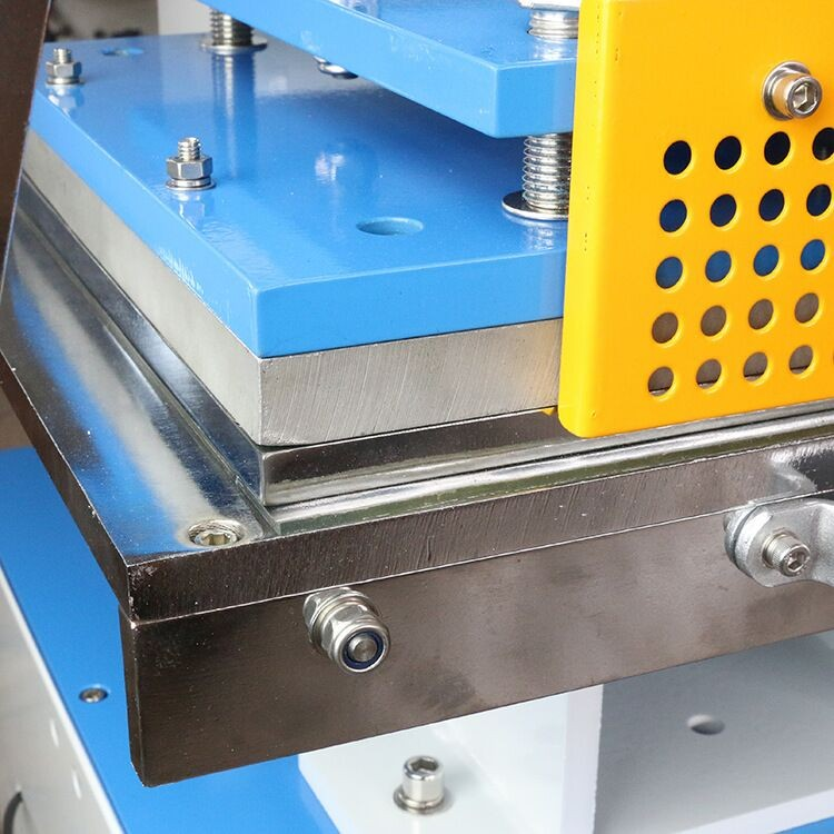 30*40cm Leather Embossing Machine Pneumatic Gold Hot Stamping Machine Die Indentation ZY-819M