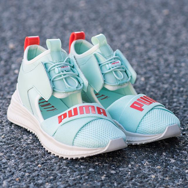 800ab8b9a894ea 2018 New Arrival PUMA Women s FENTY Avid Sneakers Bow Creeper Sandals  Women s Shoes Size35.5 40-in Badminton Shoes from Sports   Entertainment on  ...