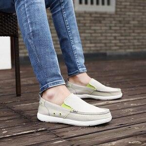 Image 5 - UPUPER zapatos de lona hombres, zapatos casuales transpirables ultraligeros para hombres, mocasines cómodos de Primavera Verano zapatos planos de conducción perezosos para hombres