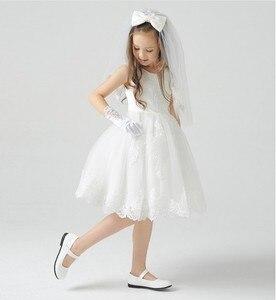 Image 2 - 10 יח\חבילה ילד תלמיד ילד פרח ילדה ריקוד ביצועים קריקטורה נגן תלבושות קצר אצבע לבן כפפות 8 12 שנים ישן