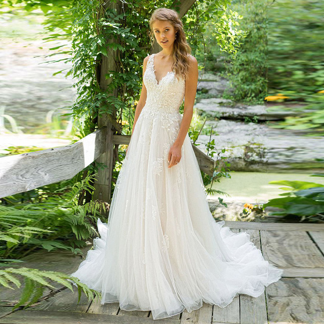 Wedding-Dress Sweep-Train Appliques A-Line Vestido-De-Noiva Custom-Made Lace V-Neck Top