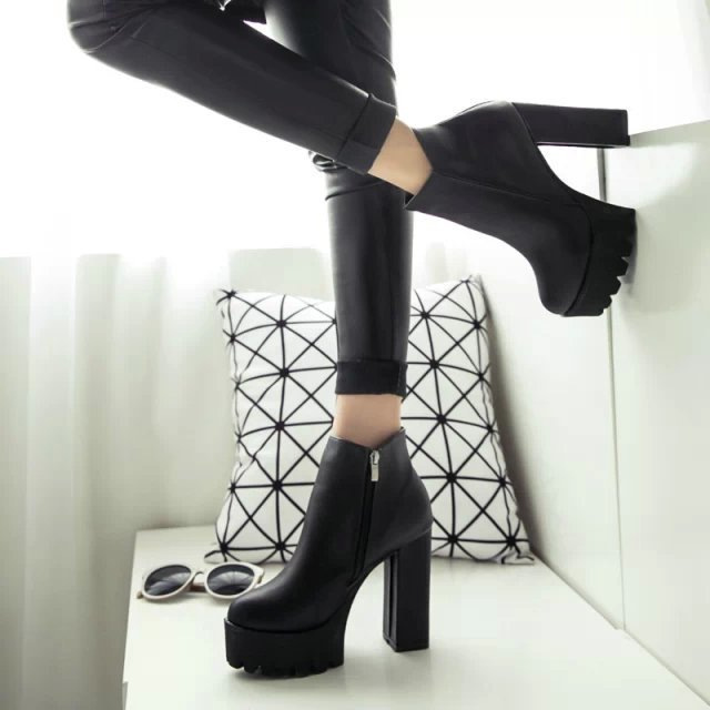 80c44ff3c 2019 nuevo primavera damas calzado Casual tacones gruesos zapatos de plataforma  para las niñas y las mujeres zapatos de tacón alto zapatos de blanco y  negro ...