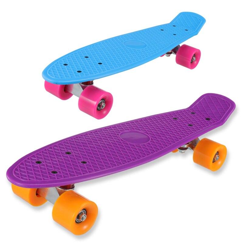 Nuevo 5 colores Pastel cuatro ruedas 22 pulgadas Mini Cruiser Skateboard Street Long Skate Board deportes al aire libre para adultos o niños