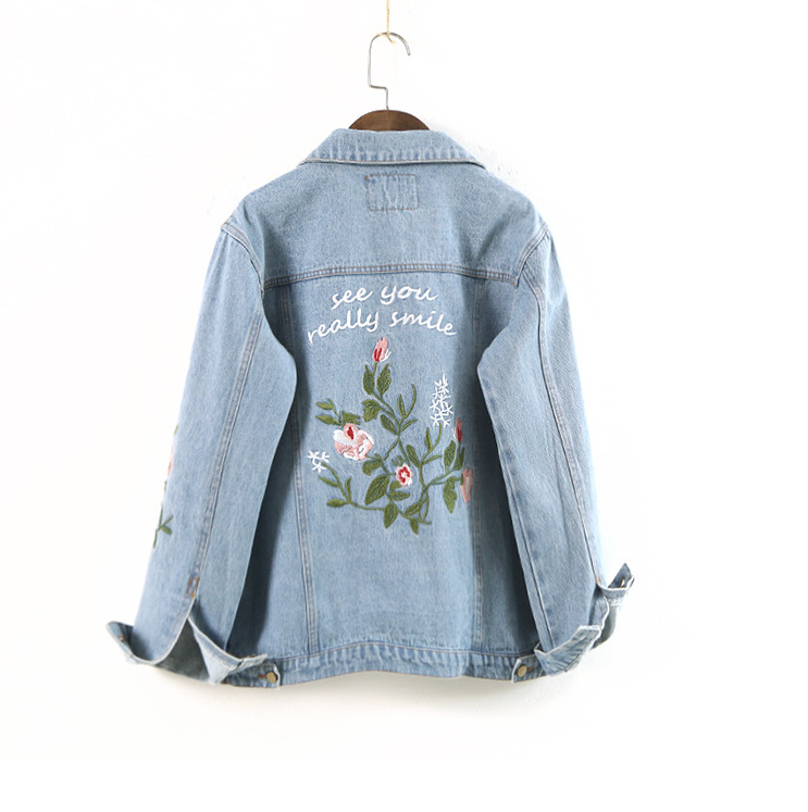 2018 Spring and Autumn Womens Black Blue Jeans Jacket Loose Short Embroidery Flowers Wild Korean Jacket Jacke size S-XL