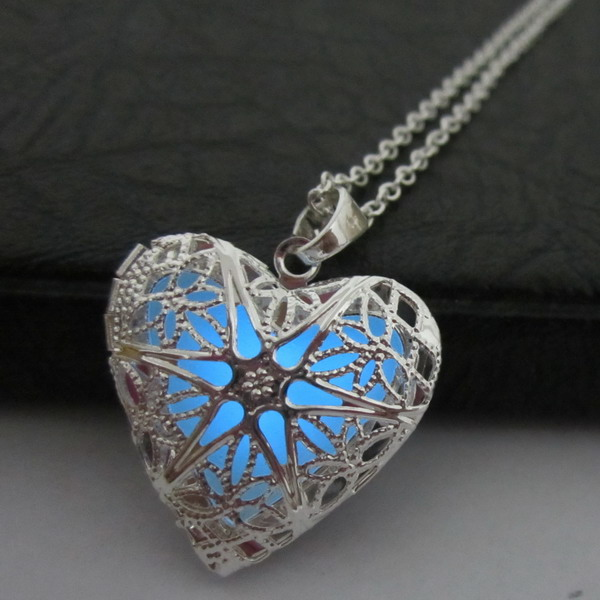 Free Shipping 925 Sterling Silver Plated Filigree Heart Locket Enamel Powder Glow in Dark Blue Pendant Jewelry Necklaces locket