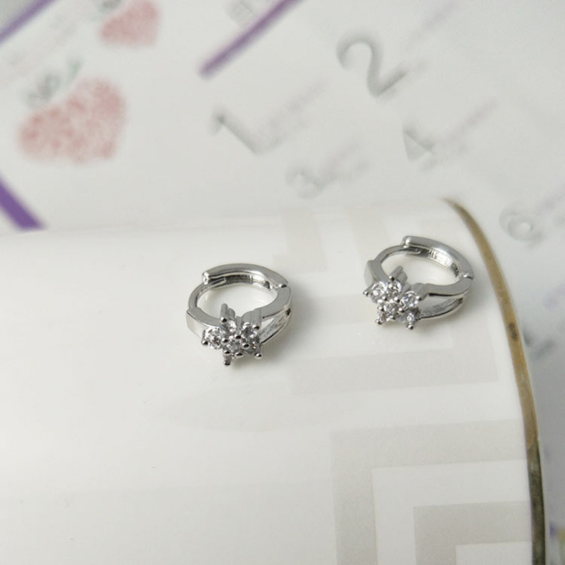 Intellective The New Korean Version Jewelry Earrings Circle Ear Ring Sweet Snowflake Snow Flower Hoop Earrings Low Price