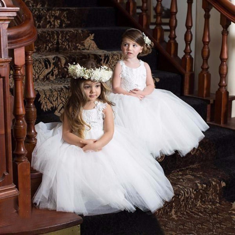 2019 Cheap White Lace   Flower     Girl     Dresses   with New Designed Appliques Straps Communion   Dresses   Pageant   Dresses   for Little   Girls