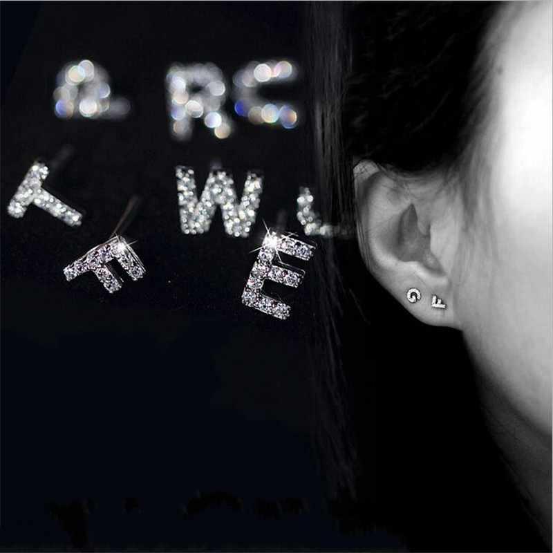 งบ 100% จริง 925 เงินสเตอร์ลิง Pave CZ 26 ตัวอักษรขนาดเล็กต่างหูปรับแต่งชื่อ Letter personized ต่างหูผู้หญิง