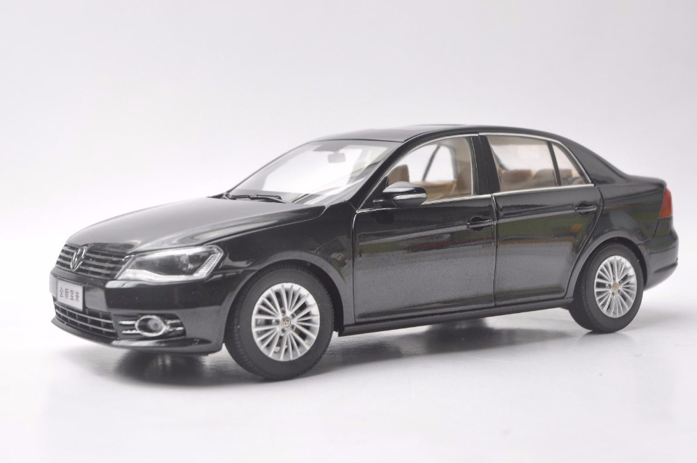 1:18 Diecast Model for Volkswagen VW New Bora 2013 Black Alloy Toy Car Miniature Collection Gifts Jetta US масштаб 1 18 vw volkswagen new cross polo 2012 diecast модель автомобиля оранжевый