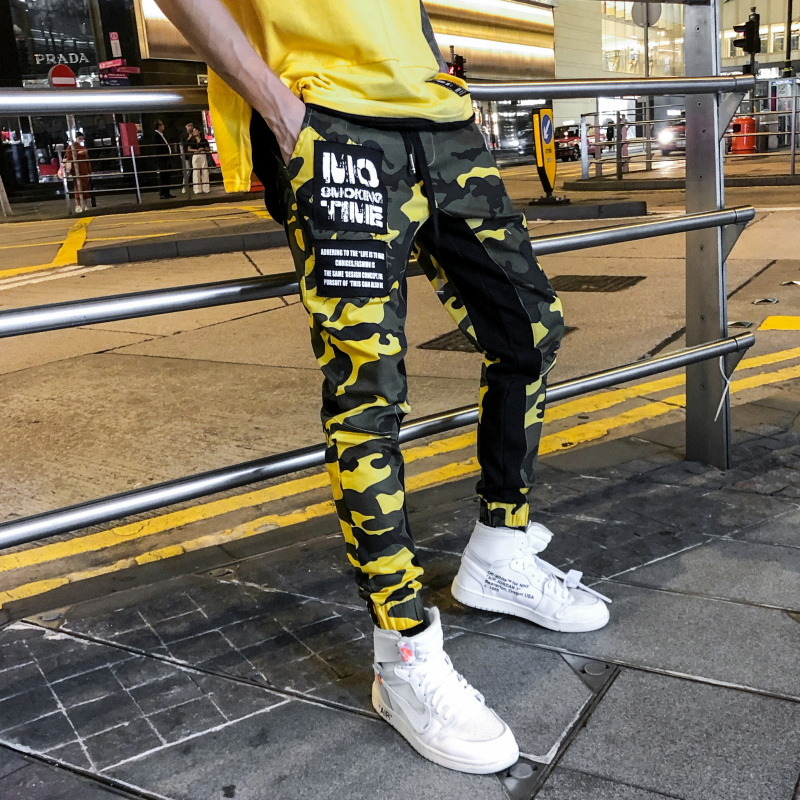 18SS  New Fashion Mens Camo Pants Hip Hop Patchwork Camouflage Military Cargo Trouser Male CHIC Casual Tatical Pockets Pants-in Cargo Pants from Men's Clothing