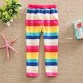 Limpio Pantalones Del Bebé Al Por Menor 2016 nuevas muchachas del estilo completo pantalones de raya del arco iris de la historieta 100% del algodón de la muchacha niños pantalones F5088