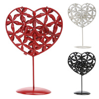 Red Black White Iron Hollow Heart Candle Holders Decorative Home Furnishing Candlestick Romantic Wedding Decoration