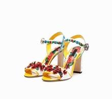 2019 Hot Sell Square Heel Sandas Flower Decor Mixed Color Shoes Floral Pattern Patchwork Pearl Embellished Lady Summer Shoes все цены