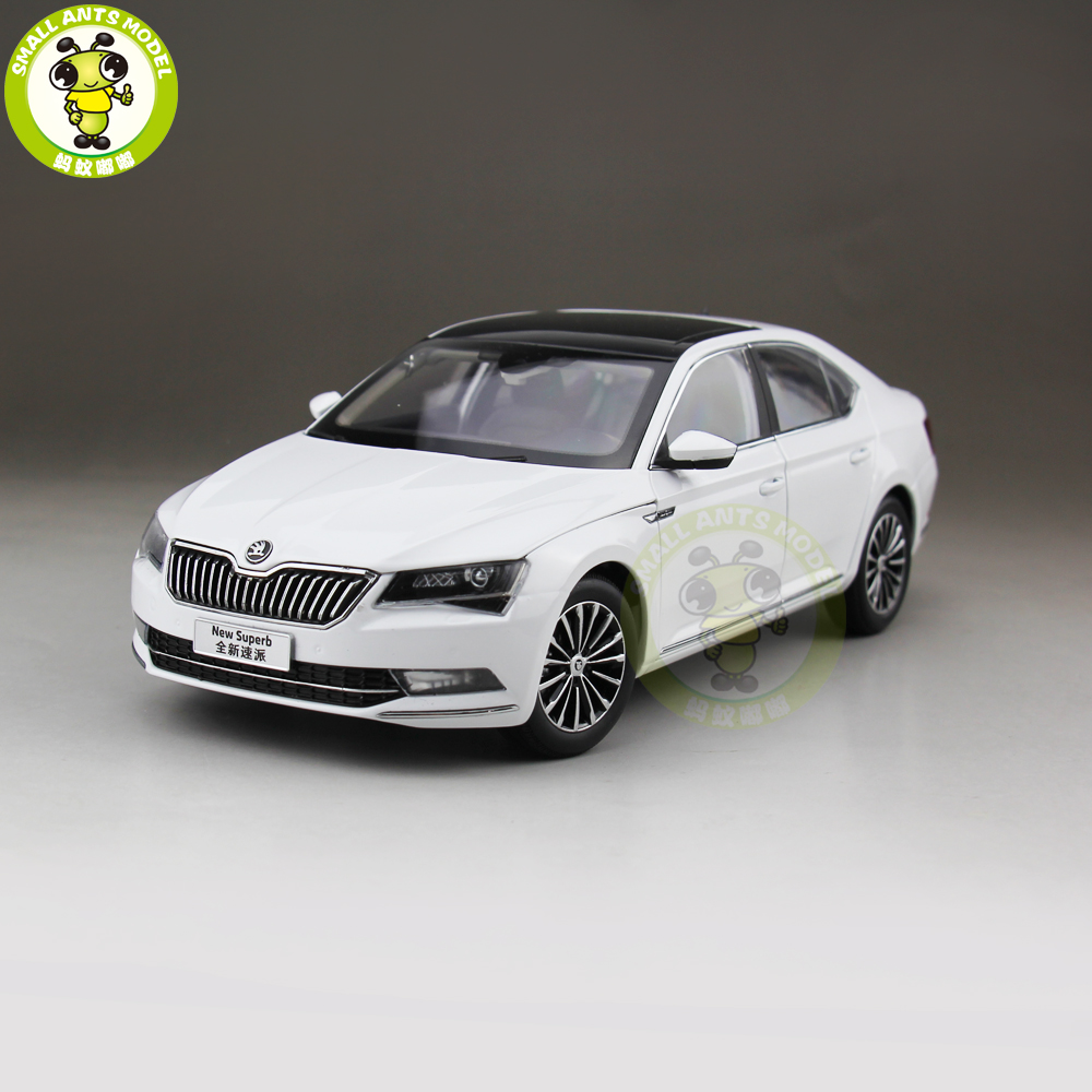 1/18 VW Skoda SUPERB Diecast Metal CAR MODEL Toy Girl Boy Birthday gift White