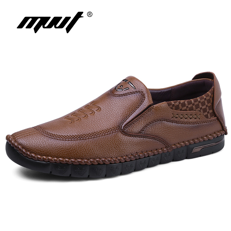 цены 2017 Autumn New Comfortable Loafers Men Casual Shoes Quality Split Leather Shoes Men Flats Hot Sale Soft Leather Moccasins Shoes