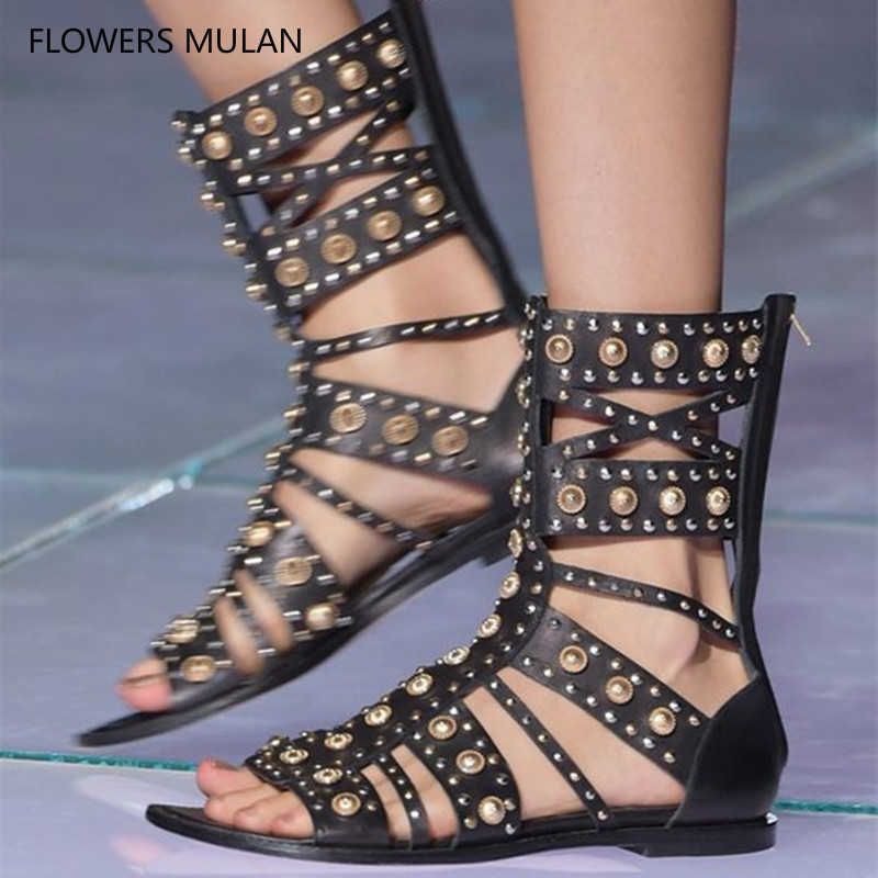 купить 2018 Gold Metal Rivets Stud Combat Boots Flats Open Toe Rome Style Knee High Gladiator Sandals Boots Cutout Summer Shoes Woman в интернет-магазине