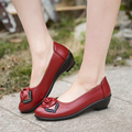 Spring fashion soft bottom anti-slip middle-aged shoes comfortable female flat-bottomed mother shoes women's large size shoes 41
