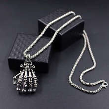 Choker Necklaces Fashion 2019 Mens Vintage Punk Gothic Skull Hand Pendant Long Chain xlct031