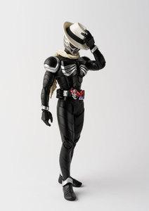 Image 4 - PrettyAngel Подлинная Bandai Tamashii нациями S. H. Figuarts Kamen Rider W & десять лет фильма войны 2010 Kamen Rider череп фигурку