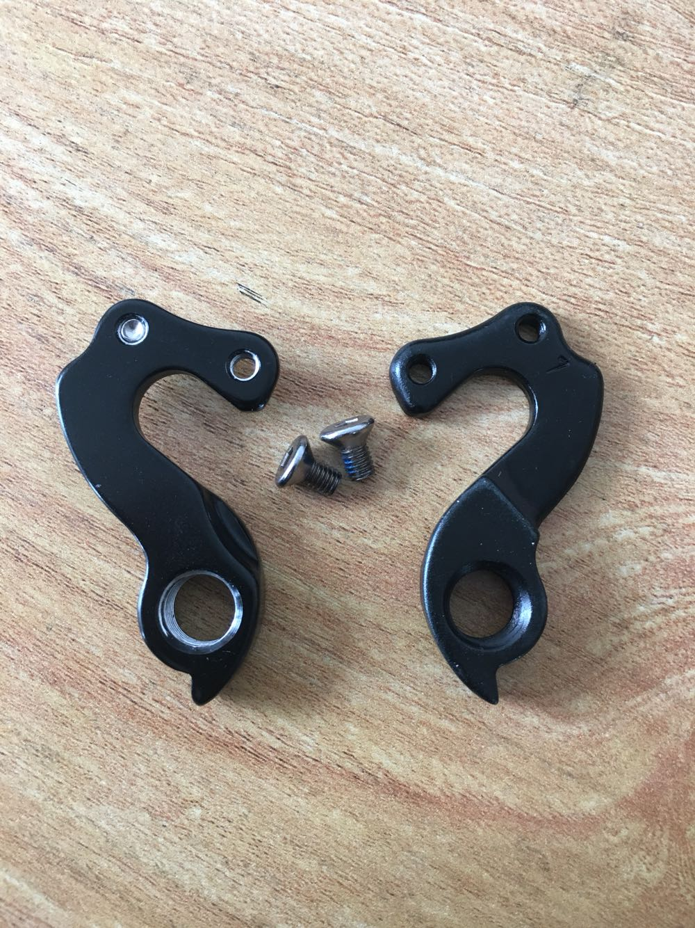 WholeSale 10pcs lot Alloy Mountain Bike Gear Mech Rear Derailleur Hanger Dropout W Screws for GT