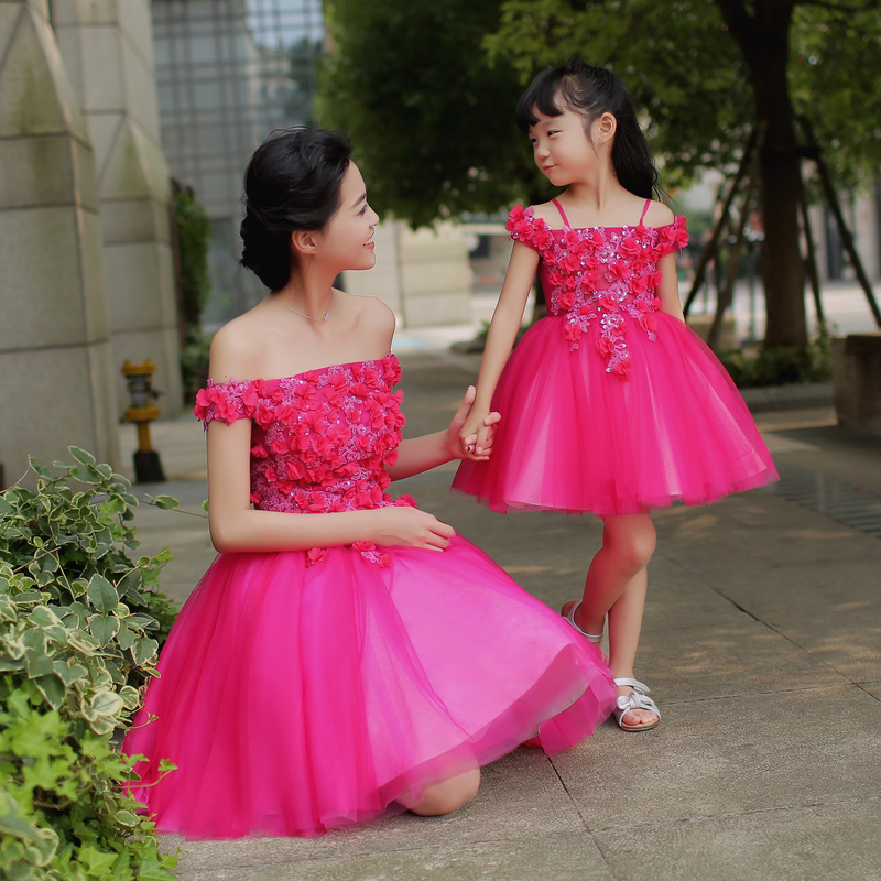 Mother Daughter Matching Dresses Family Matching Mom and Daughter Dress Outfits Parents and Children Clothes Off Shoulder Dress children clothing mother and daughter dress xl xxxl lady women infant kids mom girls dress with dancing rabbit beautiful skirt