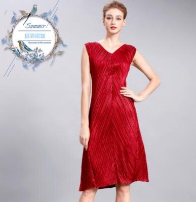Livraison gratuite Miyake pli col en v pour recevoir un mot robe taille lisse propre lubrifiant sans manches robes en STOCK