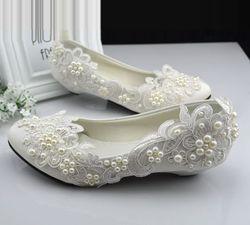 Grandes tailles 40 41 42 chaussures de mariage en dentelle ivoire pour femme petit talon bas confortable perles chaussures de mariée TG382 parties robe chaussure