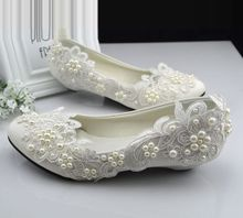 Plus sizes 40 41 42 ivory lace wedding shoes for woman small low heel comfotable pearls bridal shoes TG382 parties dress shoe