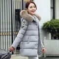 Mulheres Novo Casaco Bordado Para Baixo Algodão-Acolchoado Jacket Parka da Pele Do Falso Com Capuz Casacos Grossos Mulheres Jaqueta de Inverno Longo Fino para baixo Casaco